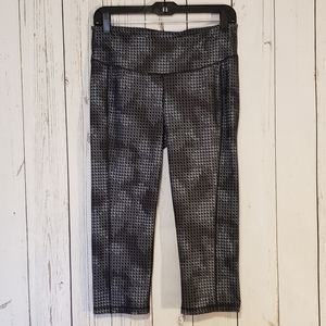 Old Navy Active Geometric Print Leggings Crop L